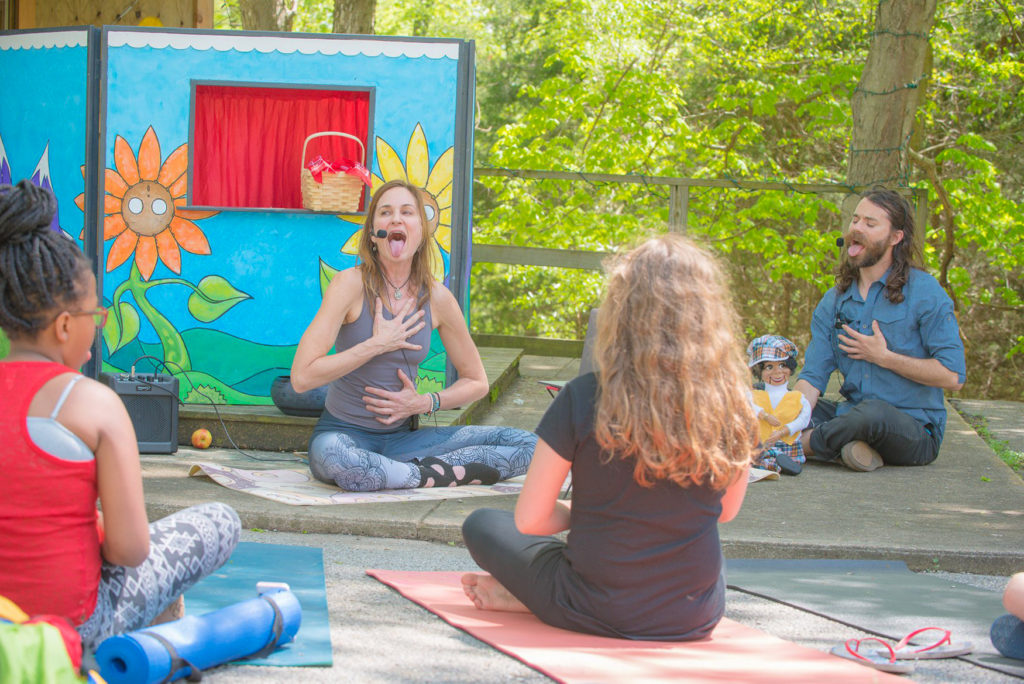 Puppet show for playfully teaching kids about mindfulness.